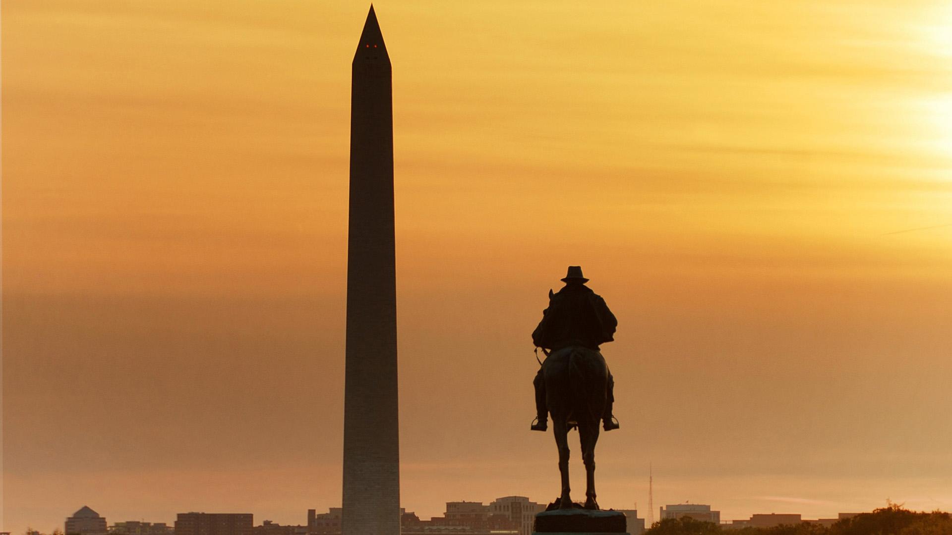 Washington Monument at Sunset, Washington DC, United States
